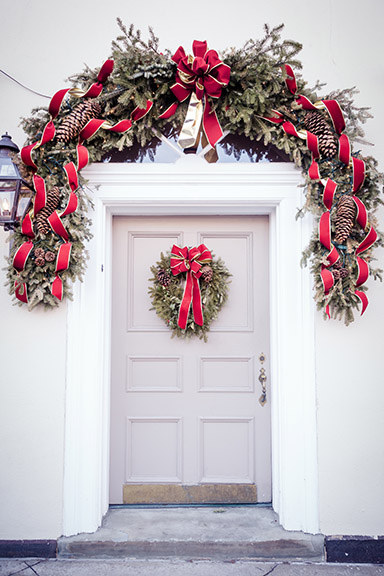 christmas wreath over door web